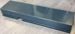 Pliage à façon acier prélaqué RAL7016S ép.0.75 mm avec découpes